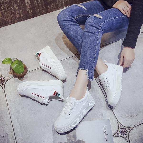 SHE001 休閒運動風厚底小白鞋