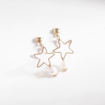 童趣簍空星星珍珠 無耳洞黏貼式耳環