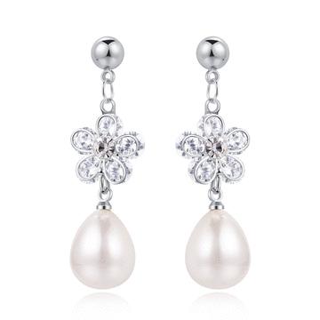 優雅甜美珍珠花瓣 耳針/黏式耳環