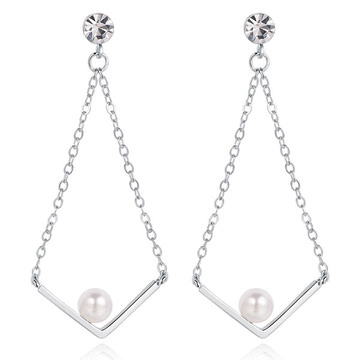【專區3件85折】金秘書為何那樣相似款-簡約V字珍珠鑲鑽 無耳洞黏貼式耳環