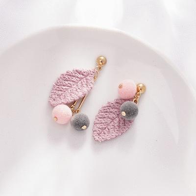 森林系針織樹葉絨球不對稱 耳針/無耳洞黏貼式耳環