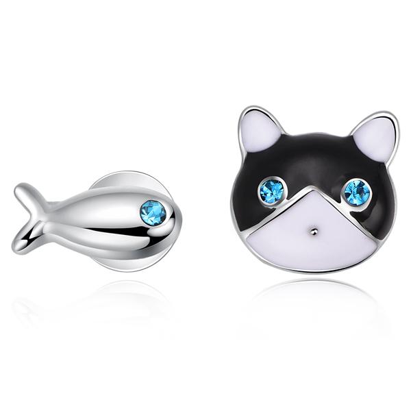 STK132 貓與小魚不對稱 無耳洞黏貼式耳環
